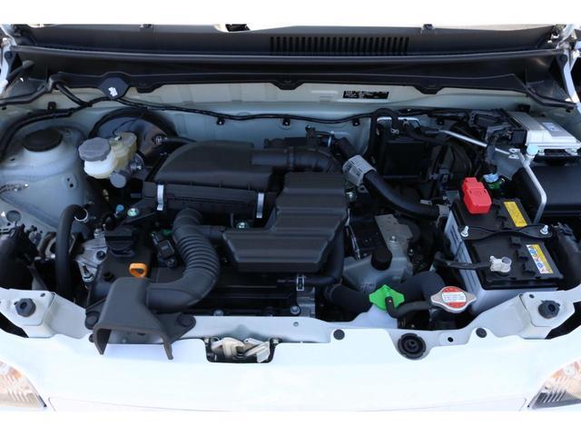 VP 4WD 横滑り防止機能 キーレスエントリー AM/FMラジオ付き マニュアル付きAT車 手動エアコン パワーステアリング アンチロックブレーキシステム エアバック ホイールキャップ(17枚目)