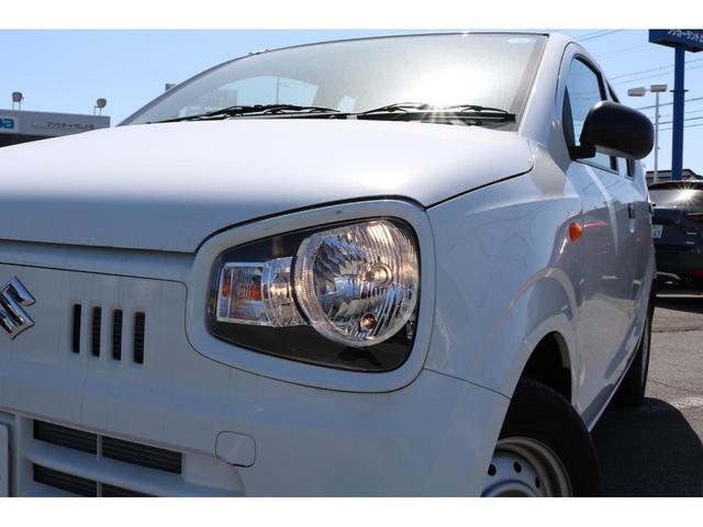 VP 4WD 横滑り防止機能 キーレスエントリー AM/FMラジオ付き マニュアル付きAT車 手動エアコン パワーステアリング アンチロックブレーキシステム エアバック ホイールキャップ(18枚目)