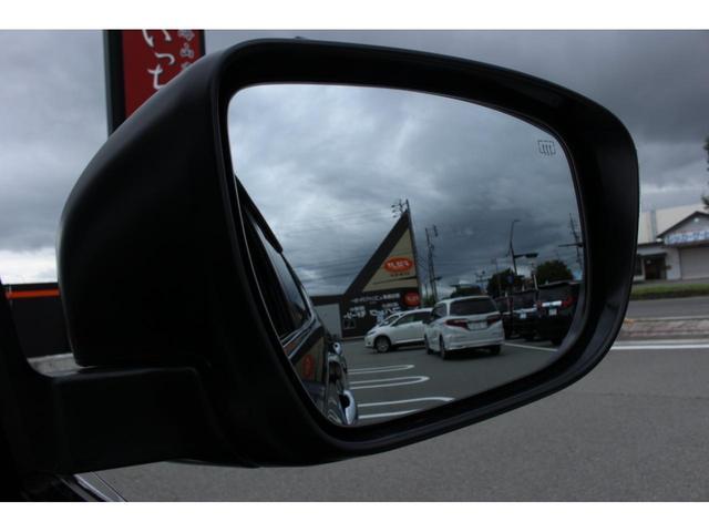 20X 4WD 純正ナビ&フルセグTV スカッフプレート スマートキー アイドリングストップ バックカメラ ビルトインETC シートヒーター オートライト 純正フロアマット ドアミラーヒーター DVD再生(16枚目)