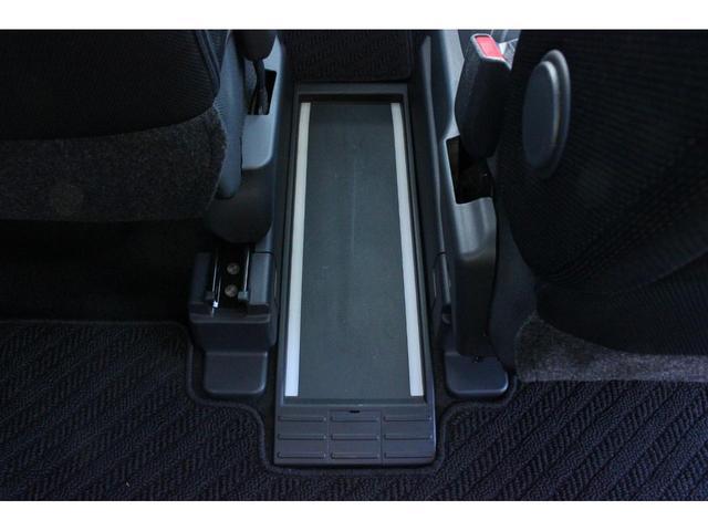カスタムG S 4WD ワンオーナー 全方位モニター 両側電動スライドドア LEDヘッドランプ 純正ナビ&フルセグTV ビルトイン2.0ETC 衝突被害軽減ブレーキ スマートキー クルーズコントロール オートライト(19枚目)