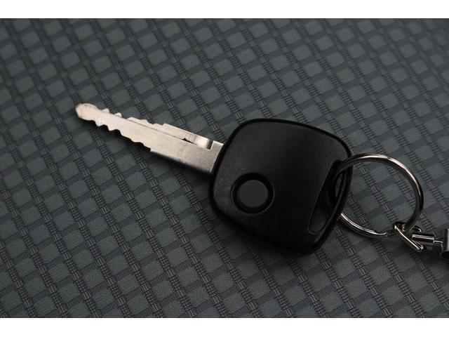 GL ワンオーナー 4WD レーダーブレーキサポート アイドリングストップ キーレスエントリーキー 横滑り防止装置 シートヒーター CD再生機能 アンチロックブレーキシステム 助手席エアバッグ(15枚目)