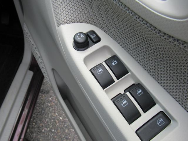 こちらは運転席側ドアパネルになります☆触れる機会の多いドアパネルですが、綺麗にクリーニング済みです☆