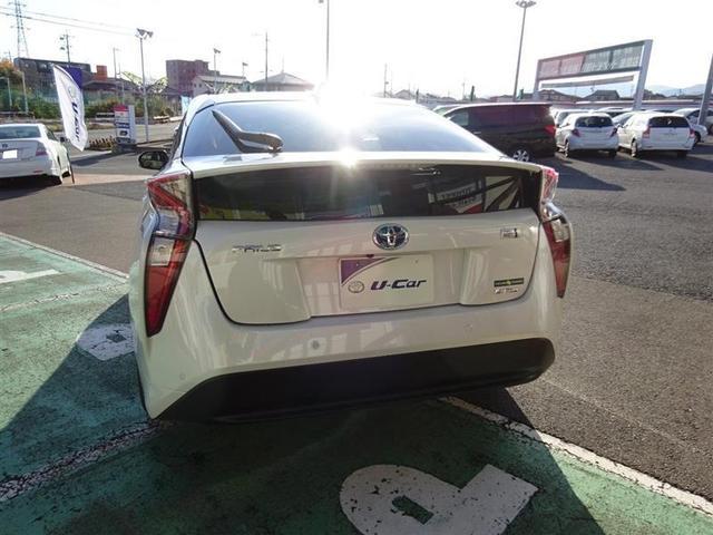 トヨタ プリウス Sセーフティプラス 4WD
