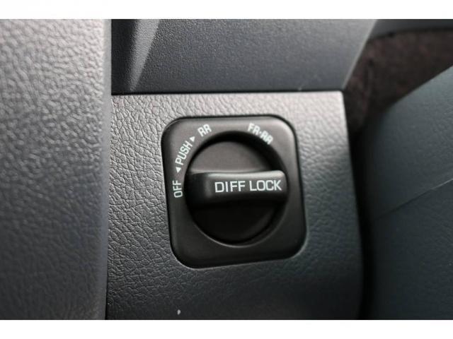 4.0 4WD 1オーナー車 デフロック SDナビTV(13枚目)