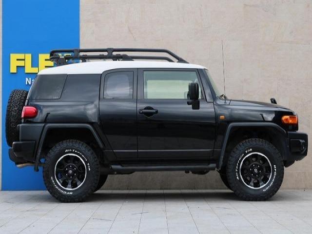 4.0 ブラックカラーパッケージ 4WD(4枚目)