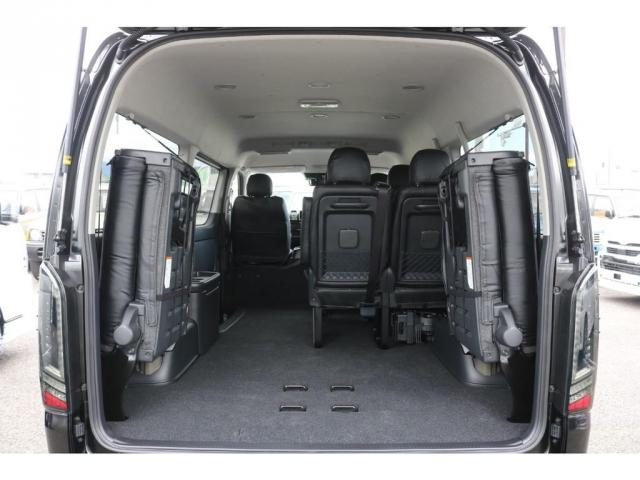 GL ライトカスタム車 3No 10人乗り レザー調シートカバー ファブレスXR-6アルミ 玄武ローダウンブロックKIT 木目調インテリアパネル オリジナルオーバーフェンダー オリジナルリップスポイラー(8枚目)