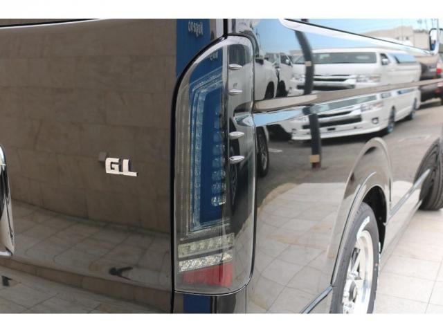 GL ライトカスタム車 3No 10人乗り レザー調シートカバー ファブレスXR-6アルミ 玄武ローダウンブロックKIT 木目調インテリアパネル オリジナルオーバーフェンダー オリジナルリップスポイラー(18枚目)