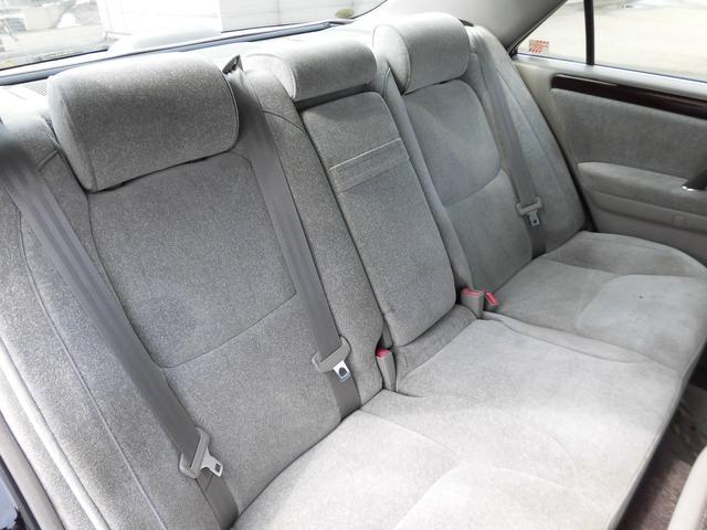 トヨタ クラウン ロイヤルサルーンFour 4WD