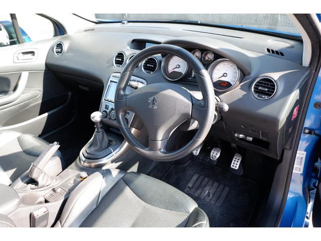 GTi GTi 1600 ターボ 6速マニュアル 2WD 純正18インチアルミホイール 社外HDDナビ 地デジTV ETC キーレスエントリー パノラミックガラスルーフ(28枚目)
