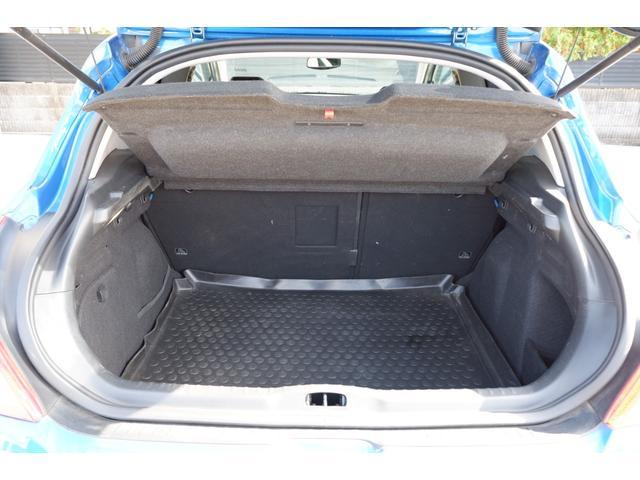 GTi GTi 1600 ターボ 6速マニュアル 2WD 純正18インチアルミホイール 社外HDDナビ 地デジTV ETC キーレスエントリー パノラミックガラスルーフ(40枚目)