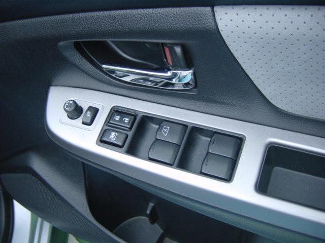 4WD 2.0i-LアイサイトカロッツェリアフルセグナビTV(18枚目)
