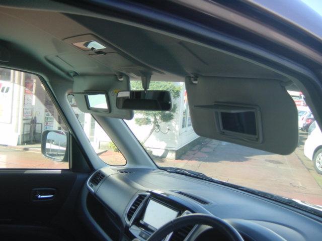 運転席&助手席バニティミラー付きサンバイザー