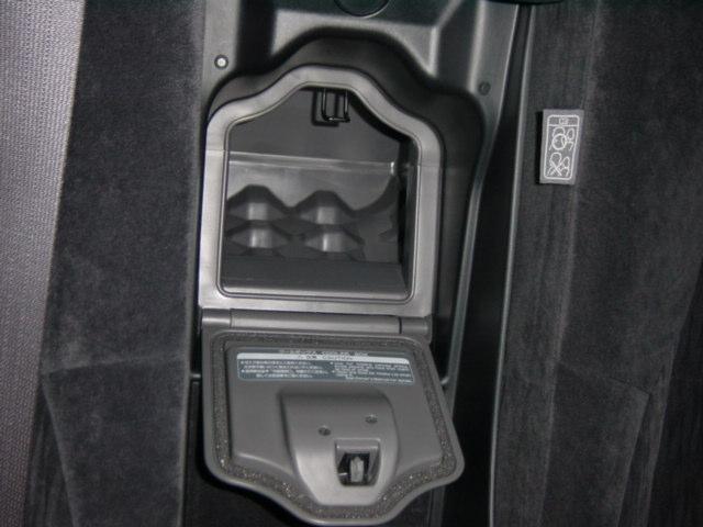 リヤクールボックス