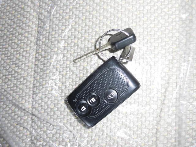 ダイハツ タント X 4WD キーレス・プッシュスタート 助手席側パワスラ
