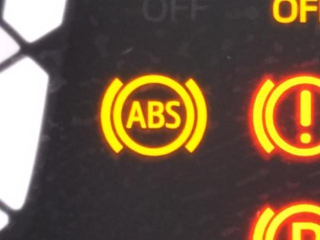 L SAIII ヘッドランプアイドリングストップパワーウインドウキーレスマニュアルエアコン2列目一体可倒パワステエアバッグEBD付ABS衝突安全装置 横滑り防止装置(16枚目)