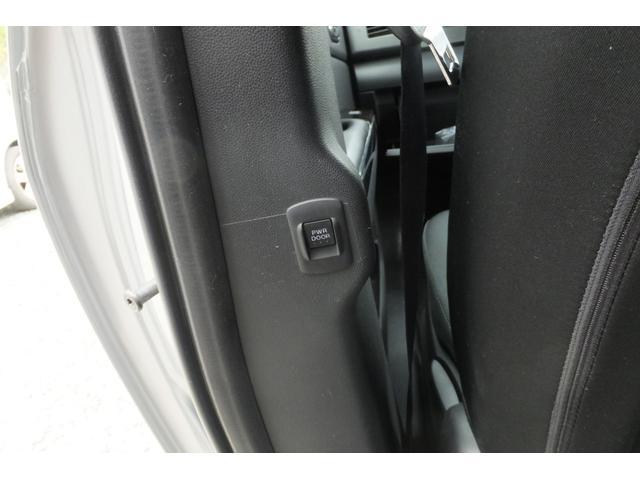 マツダ MPV 23T 4WD フロント・サイド・バックカメラ・キーフリー