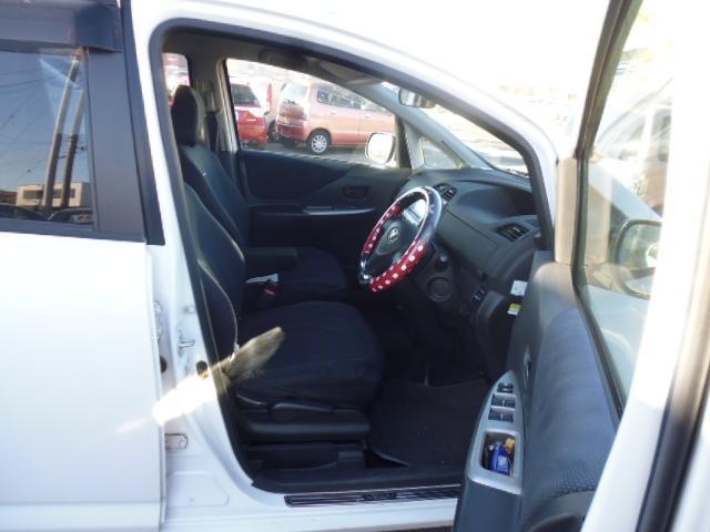 トヨタ ラクティス G Lパッケージ 4WD テレビ ナビ スマートキー ETC