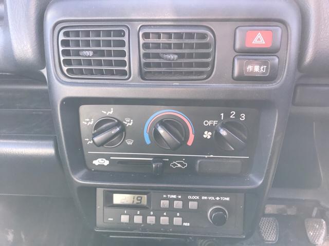 SDX 4WD 5速MT パワステ ホワイト(11枚目)