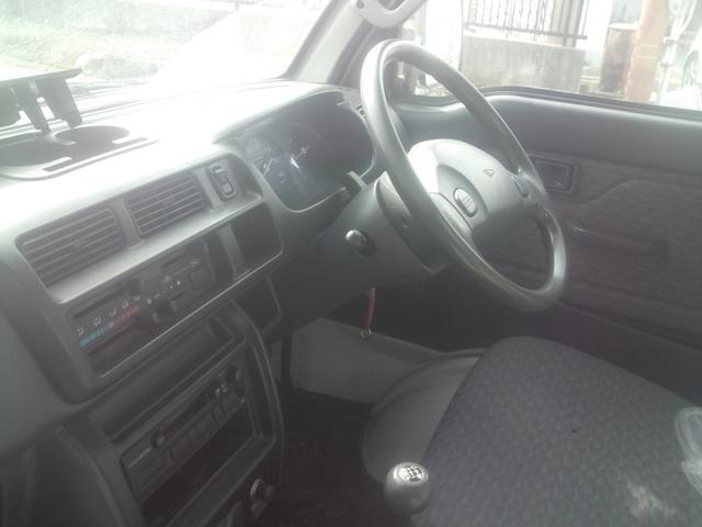 エクストラ 4WD 5速マニュアル車(2枚目)