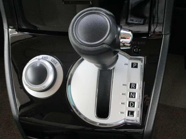 2.2 D プレミアム Dターボ 4WD フルセグナビ(9枚目)