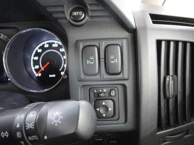 2.2 D プレミアム Dターボ 4WD フルセグナビ(16枚目)
