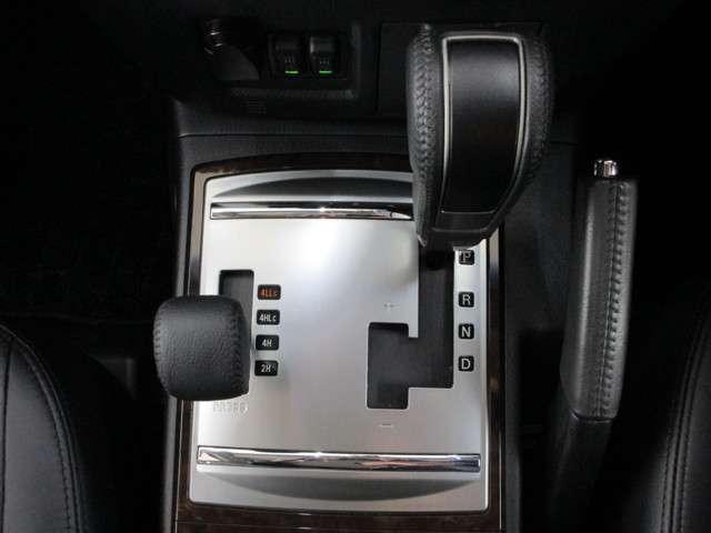 3.2 ロング スーパーエクシード ディーゼルターボ 4WD(13枚目)
