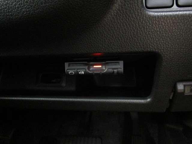 カスタムG e-アシスト ナビ・バックカメラ・片側電動スライドドア・衝突被害軽減ブレーキ・誤発進抑制・ETC・ロールサンシェード・ドアバイザー・リヤサーキュレーター・リヤスポイラー・フルセグTV(12枚目)