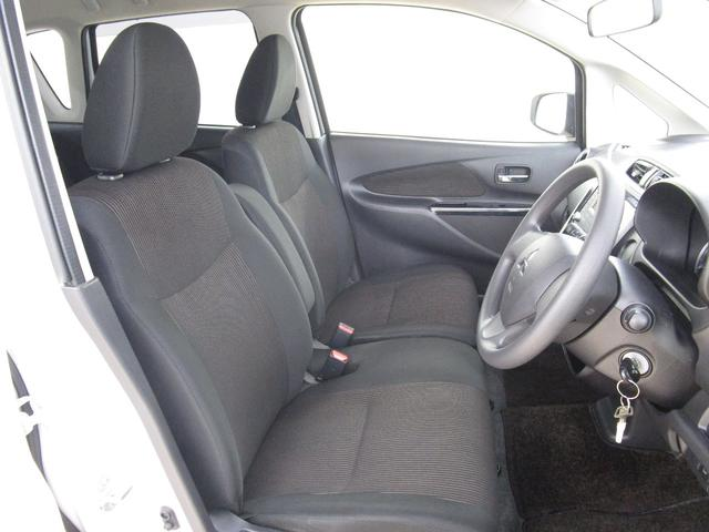 M 三菱認定中古車保証 基本保証1年走行距離無制限 禁煙車 ワンオーナー HIDヘッドライト フォグランプ CDオーディオ アイドリングストップ 運転席シートヒーター ドアバイザー フロアマット(12枚目)