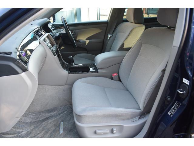 運転席、助手席の状態も良好です!パワーシート等、便利機能も充実です!