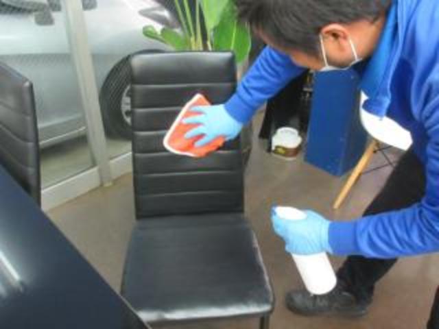 XS 清掃除菌済 タイミングチェーン 革巻ステアリング プッシュスタート スマートキー オートエアコン HIDヘッドライト フォグランプ オートライト 純正14インチアルミ フルフラットシート ベンチシート(35枚目)