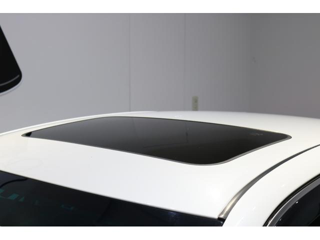 ■開放感たっぷりのサンルーフ付いてます!将来、車を売却したときに査定額がアップすることが多いのもメリットの一つですね!!