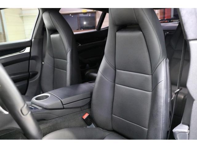 ■お体が直接触れるシートが汚いと嫌ですよね。その点このお車は、元々綺麗な状態で仕入れをしている上、専属のスタッフが専用の溶剤で丹念にクリーニングしておりますので非常に綺麗です。