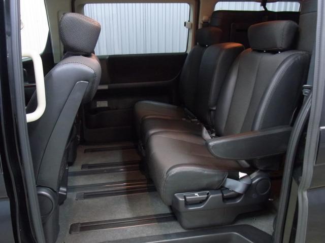 日産 エルグランド ハイウェイスター プレミアムナビエディション 後期 4WD