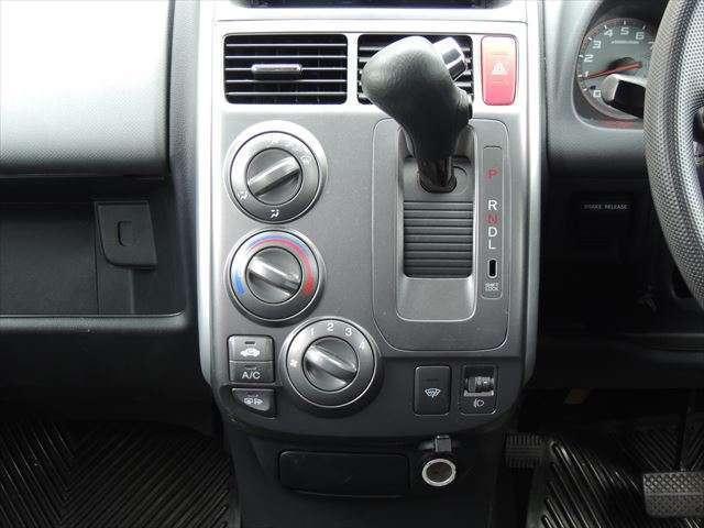 AU  パワステ ABS 4WD ベンチシート(16枚目)