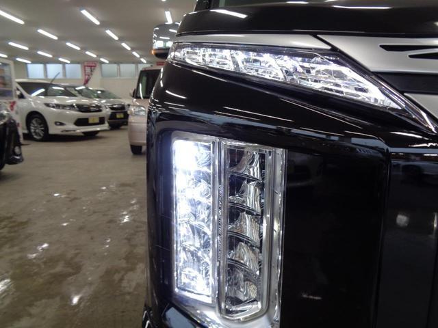 P 切替4WD ディーゼルターボ アラウンドビューモニター&衝突軽減装置&レーンキープ 両側電動スライドドア&パワーバックドア SDナビ&ブルートゥース シートヒーター LEDライト&LEDフォグ(18枚目)