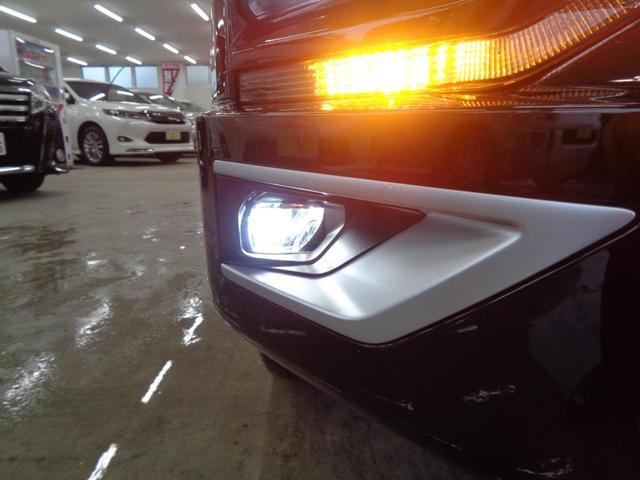 P 切替4WD ディーゼルターボ アラウンドビューモニター&衝突軽減装置&レーンキープ 両側電動スライドドア&パワーバックドア SDナビ&ブルートゥース シートヒーター LEDライト&LEDフォグ(19枚目)