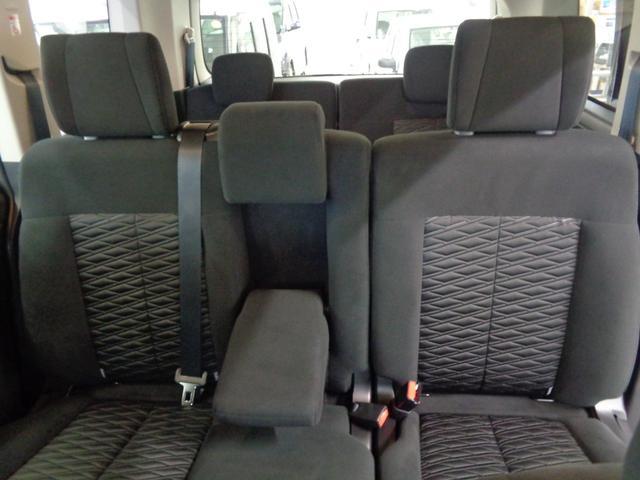P 切替4WD ディーゼルターボ アラウンドビューモニター&衝突軽減装置&レーンキープ 両側電動スライドドア&パワーバックドア SDナビ&ブルートゥース シートヒーター LEDライト&LEDフォグ(34枚目)