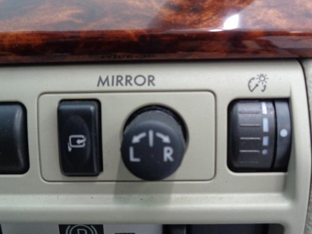 2.5iアイサイト 4WD 電動レザーシート&シートヒーター 衝突軽減&追従クルコン&レーンキープ HDDナビ&バックカメラ&フルセグTV&DVD&音楽録音 パドルシフト ETC 横滑り防止 純正17AW HID&フォグ(43枚目)