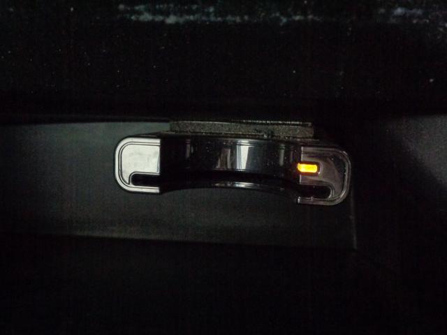 G・Lパッケージ 4WD 禁煙車 メモリーナビ&CD・DVD再生&USB接続&SD&ワンセグTV パワースライドドア  HIDオートライト&フォグ スマートキー ミラーヒーター オートエアコン エアロ 純正14AW(9枚目)