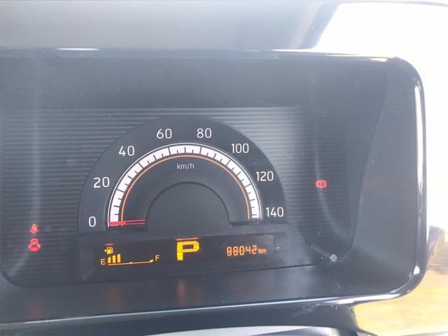 エコドライブサポート機能としてファインビジョンメーター内に走行中の瞬間燃費や平均燃費の表示機能に加え、エコ運転時に点灯するECOインジケーターを搭載。