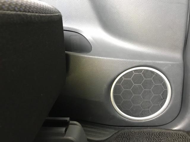 後部座席にもスピーカーがついており、音響もいいですよ♪