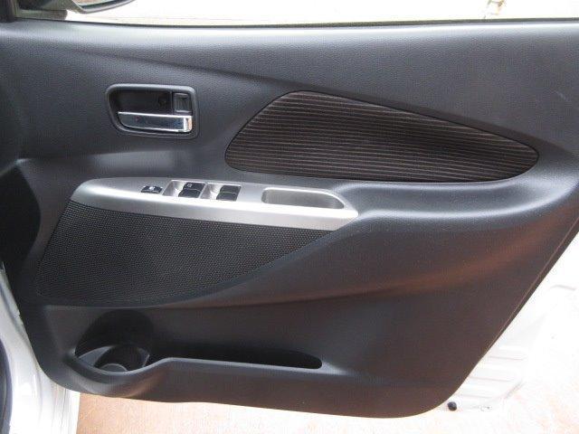 M HIDヘッドランプ Stradaメモリーナビ フルセグTV Bluetooth接続機能付 ドライブレコーダー ボイスタイプETC アイドリングストップ キーレス 社外アルミホイール 155/65R14(9枚目)