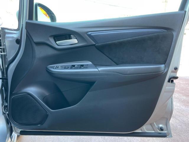 ハイブリッド ハイブリッド メモリーナビ ミュージックプレイヤー接続 Bluetooth接続 ETC スマートキー プッシュスタート スペアキー オートリトラミラー 横滑り防止装置 アイドリングストップ(9枚目)