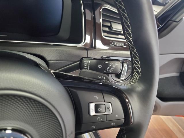 ベースグレード 4WD LEDライト シートヒーター オートクルーズコントロール Bカメラ ナビ パワーシート ETC 横滑り防止装置 盗難防止システム 革  レーンキープ(18枚目)