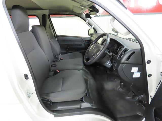 DX GLパッケージ 4WD ナビ&TV ETC 横滑り防止機能 ワンオーナー キーレス 盗難防止装置 乗車定員9人 3列シート ディーゼル ABS エアバッグ オートマ(6枚目)