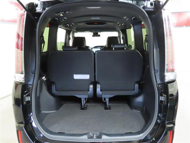 Gi 4WD ナビ&TV 両側電動スライド スマートキー アイドリングストップ 横滑り防止機能 LEDヘッドランプ ワンオーナー キーレス 盗難防止装置 DVD再生 乗車定員7人 3列シート 寒冷地 ABS(9枚目)