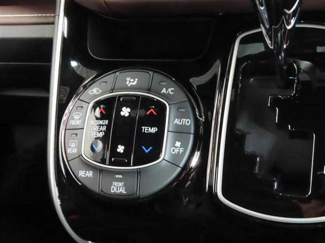 Gi 4WD ナビ&TV 両側電動スライド スマートキー アイドリングストップ 横滑り防止機能 LEDヘッドランプ ワンオーナー キーレス 盗難防止装置 DVD再生 乗車定員7人 3列シート 寒冷地 ABS(11枚目)