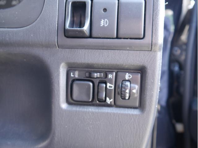 クロスアドベンチャー 4WD 合皮シート シートヒーター 純正16インチアルミ キーレス フォグ タイミングチェーン(21枚目)