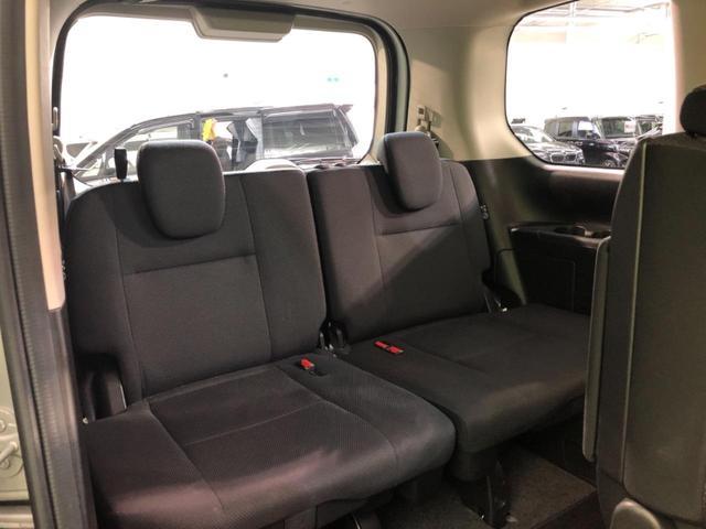 X VセレクションII 4WD SDナビ 両側電動スライドドア 衝突軽減装置 アラウンドビューカメラ クルーズコントロール アイドリングストップ オートライト インテリジェントクリアランスソナー ダブルエアコン 禁煙車(12枚目)