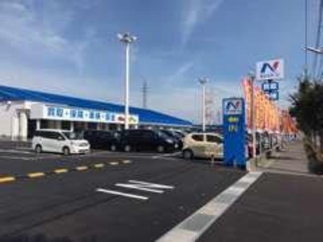 新潟県内2つ目の大型店舗OPEN!!お車の販売・買取・車検・保険などそれぞれすべて取り扱っておりますので、お車に関する疑問を是非当店スタッフまで!!!